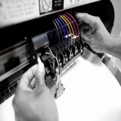 Roland Certified Printer Technicians   Stanley's Sign & Screen